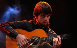 giovane chitarrista Javier Conde